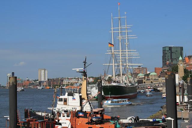 Ueberseebruecke Hamburg