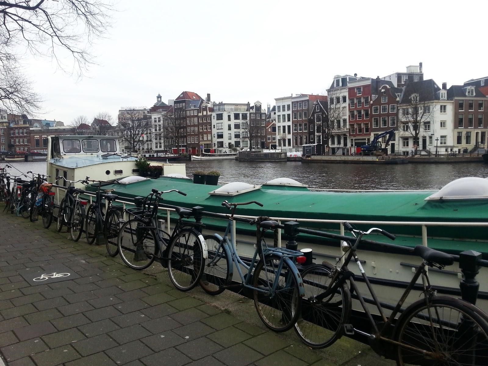 Амстердам+прогулка+каналы+велосипеды