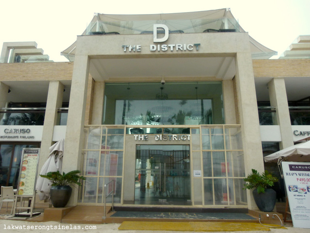 THE BEACHFRONT LUXURIOUS STAY AT THE DISTRICT BORACAY