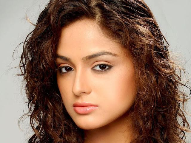 Asmita Sood navel show