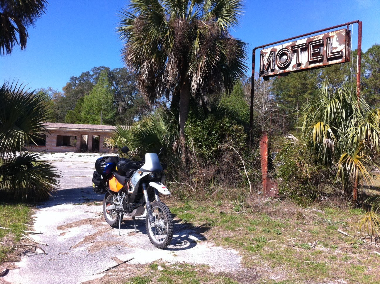 Abandoned Motel Near Perry Fl