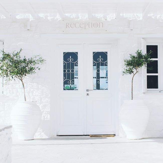 Jelena Zivanovic Instagram @lelazivanovic.Glam fab week.Minois village hotel suites and spa, Paros.