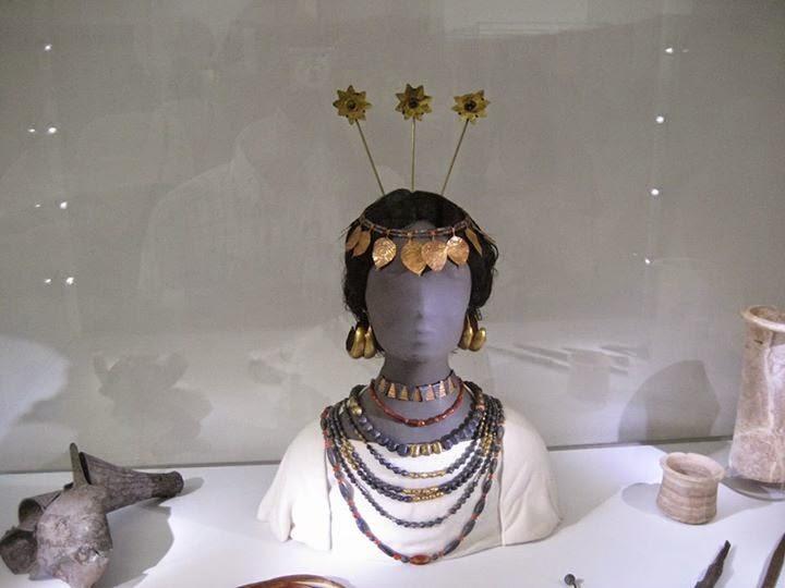Sümer Kraliçesi Şubat (Puabi)'ın Takıları , Pergamon Müzesi-Berlin