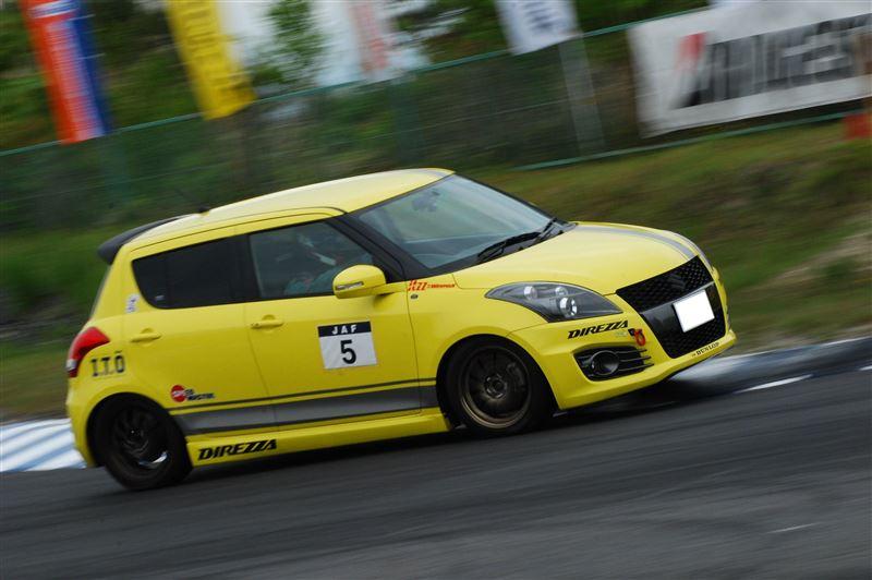 Suzuki Swift IV, japoński samochód, hot hatchback, wyścigi, tor wyścigowy, sport, JDM