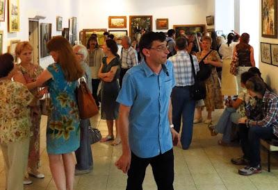 На открытии выставки в галерее Митець