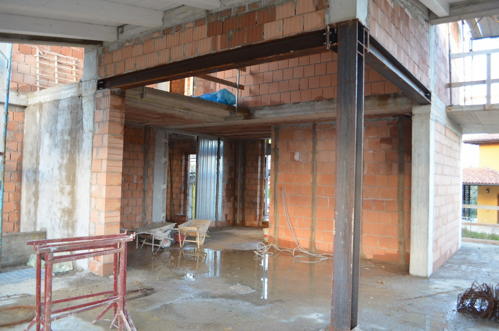 casa delle ginestre: muri divisori e controtelai di porte e finestre - Muri Divisori Cucina Soggiorno 2