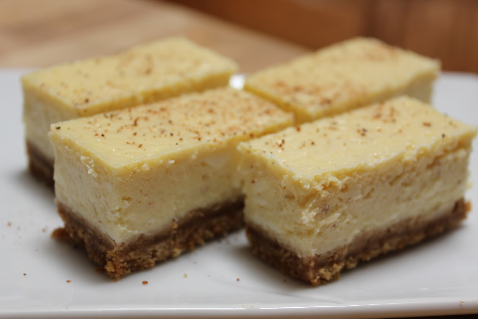 What's Up Cupcake?: Sweet Treats Saturday: Eggnog Cheesecake Bars