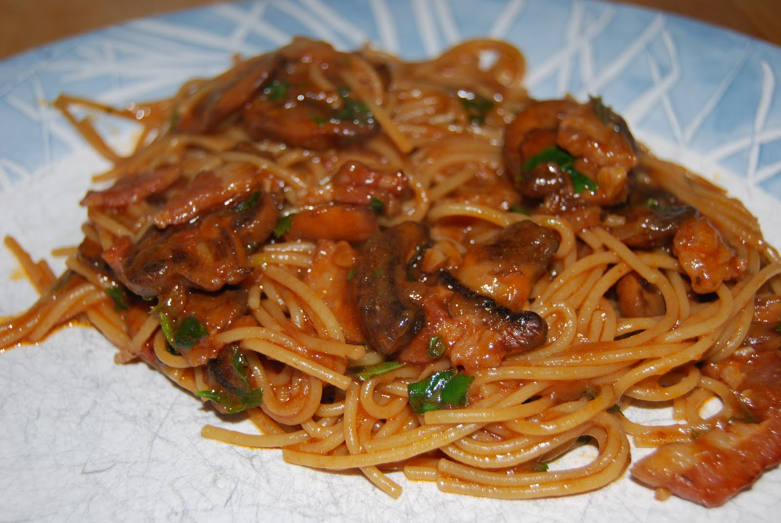 What Would Jeanna Cook: Spaghetti with Bacon, Mushrooms, & Herbs
