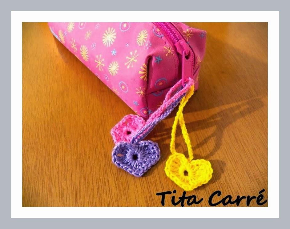 Corações Coloridos em Crochet para enfeitar o fecho