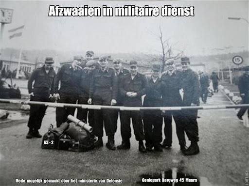 Afzwaaien in militaire dienst