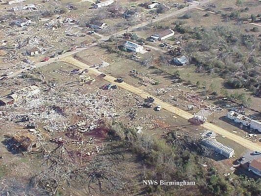 tuscaloosa tornado pictures. tuscaloosa tornado. tuscaloosa