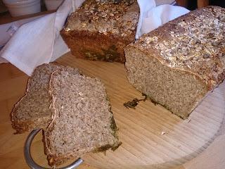 Chleb razowy z serwatką
