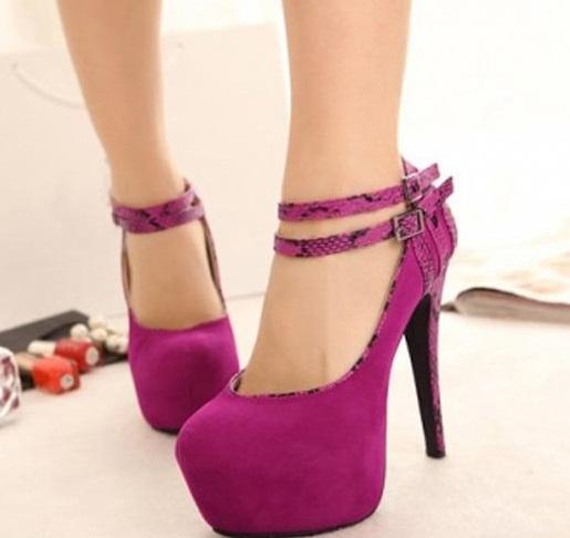 Mor göz alıcı platform ayakkabı