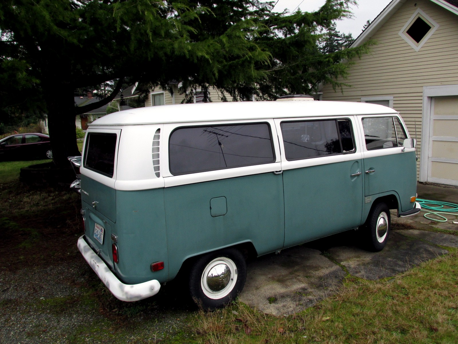 seattle 39 s classics awesome collection pt 2 1968 volkswagen type 2 bus. Black Bedroom Furniture Sets. Home Design Ideas