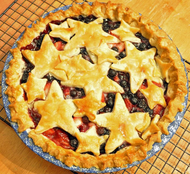 Fresh Strawberry and Blueberry Pie