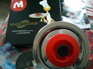 pasta - fusilli con pancetta e pomodorini freschi con coperchio magic cooker