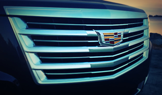 2016 Cadillac Escalade Platinum grille