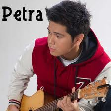 Download Lagu Petra Sihombing - Istimewa Mp3