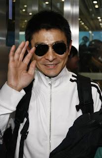 pemeran film produser film pembawa acara dan penyanyi asal hongkong