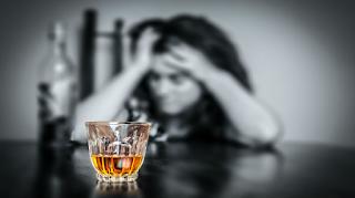 Alcoolismo parental e fatores de risco associados