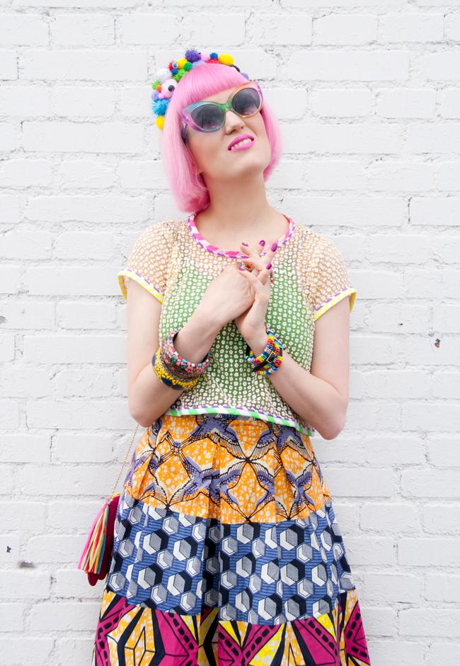 pom pom headband, rainbow look, print mix