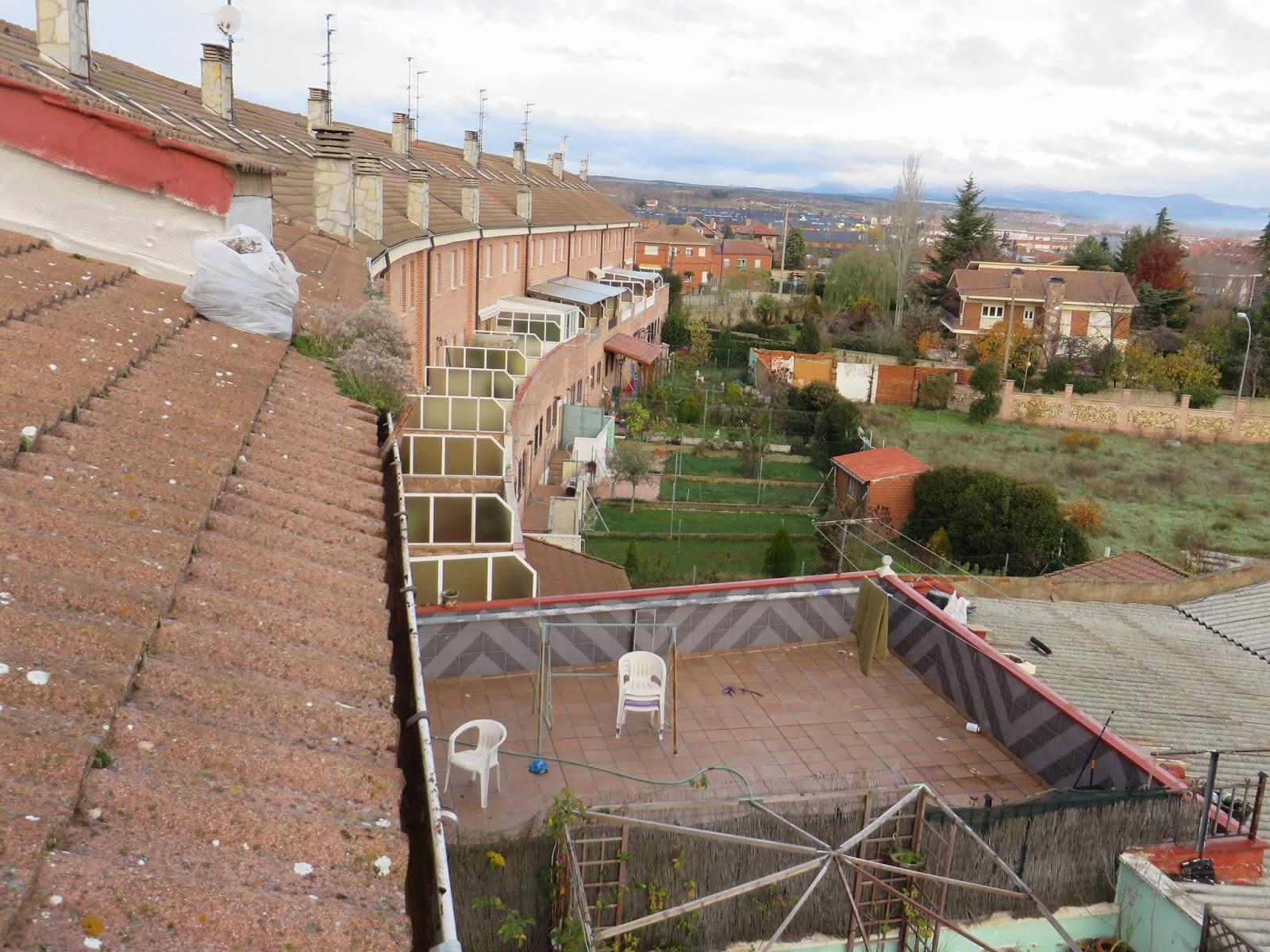 ¿Necesitas Limpiar los canalones? en León. Si Necesitas Limpiar los canalones, nos dedicamos a la limpieza de canalones en León, presupuestos tlf 618848709 y 987846623.