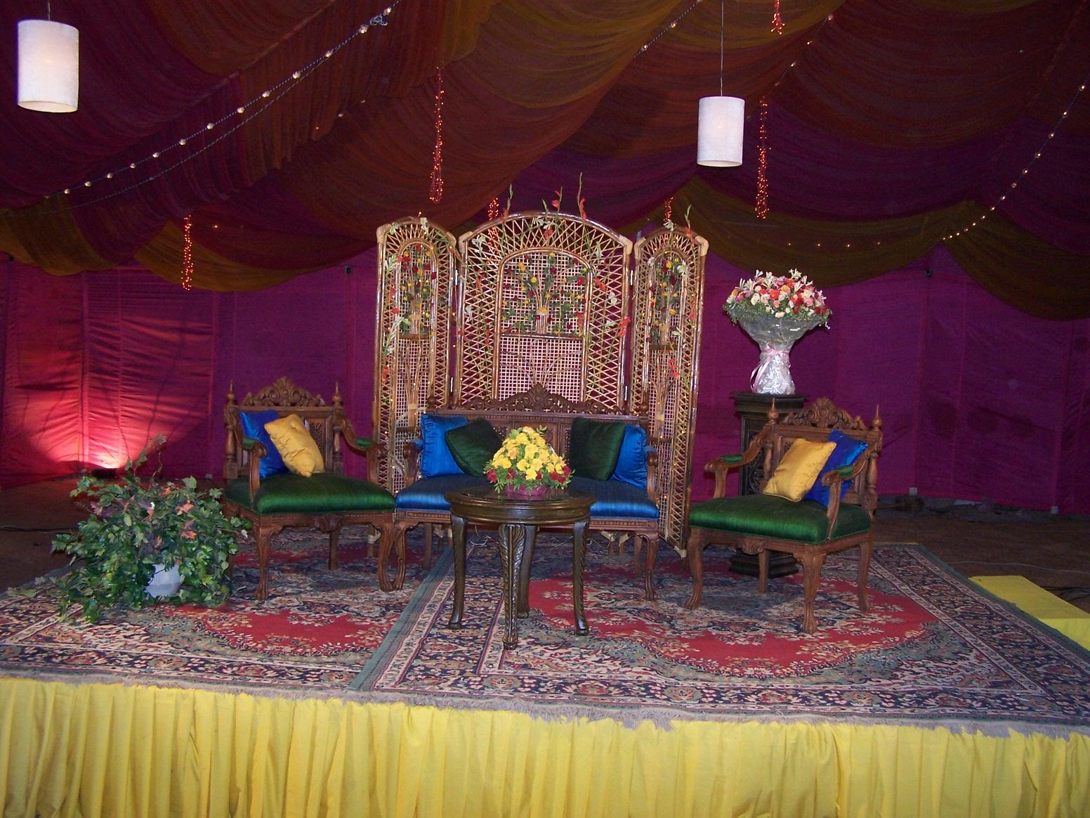 Studio backgrounds pakistani home furniture for Home wallpaper karachi