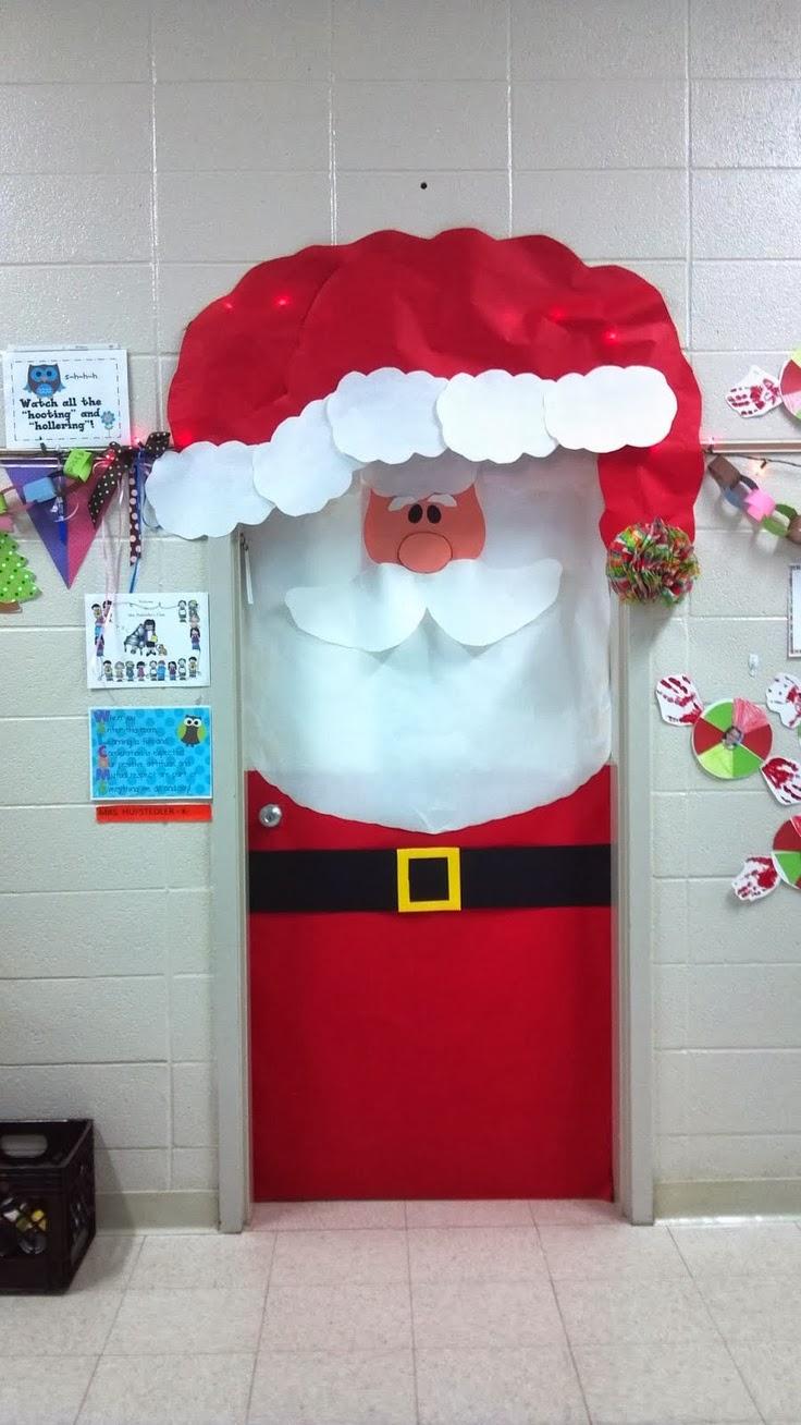 C mo decorar una puerta en navidad for Puertas recicladas para decorar