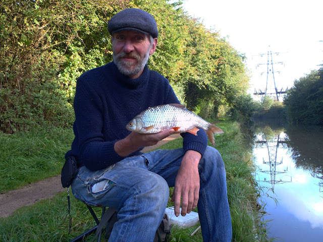 1lb 1oz Oxford Canal Roach