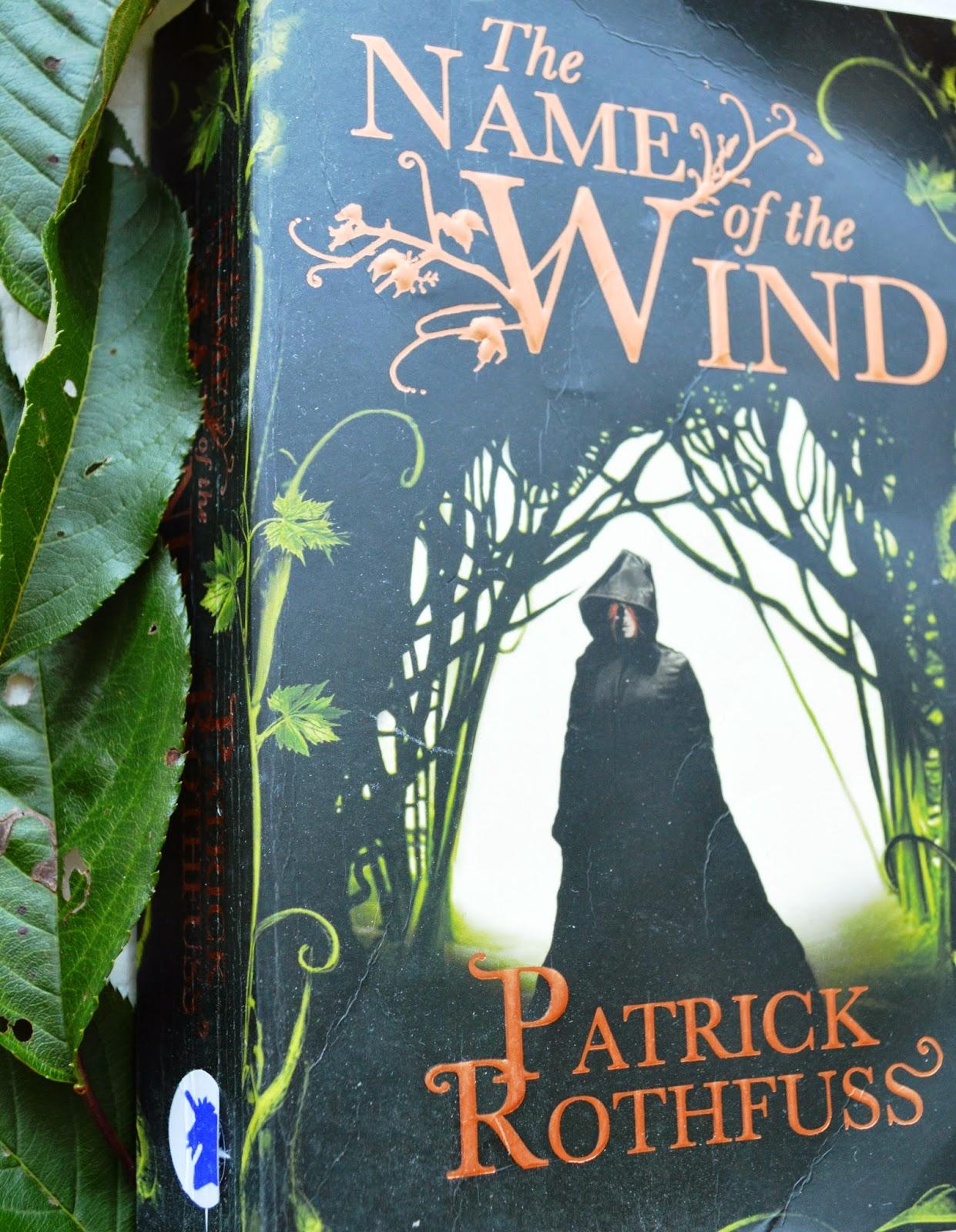 paperback, review, The Name of the Wind, Patrick Rothfuss, book, fantasy, KingKiller Chronicles, Kvothe, magic, school, university, education, spirits, UK edition, saga,
