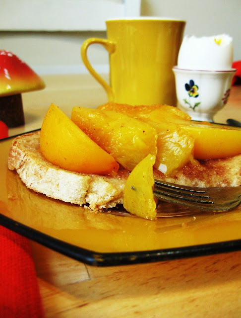 recipe, breakfast, peaches, toast, fleur d'elise