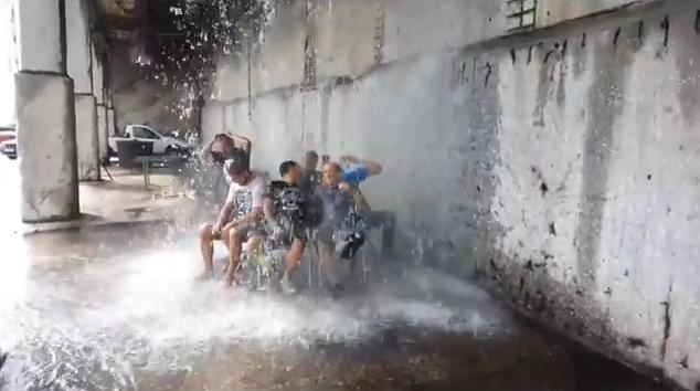 Θεόμουρλοι Σπαρτιάτες έκαναν «Ice Bucket Challenge» με 50 τόνους νερό