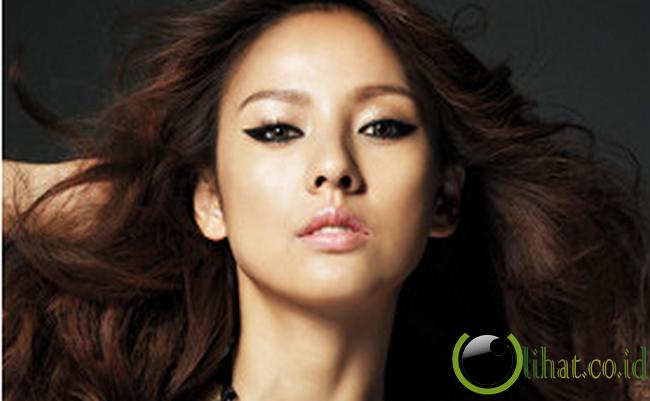 fakta selebriti 5 artis cantik korea yang jadi model lingerie
