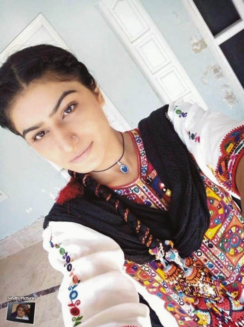 Sindhi Pictures: Taniya Channa in Sindhi Dress