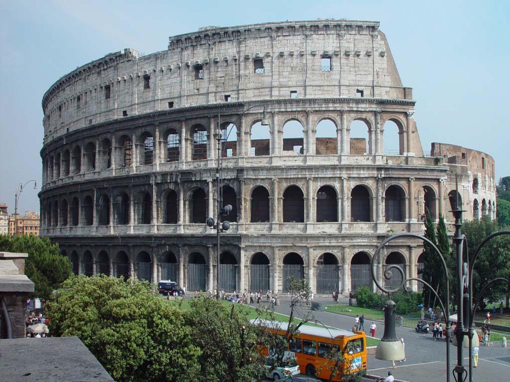 http://2.bp.blogspot.com/-s56eHTZJ1z0/TgEiiEUK-JI/AAAAAAAAApM/NtsFCJH0oHQ/s1600/rome_colosseum_colosseum%20inside_colosseum_wallpaper_colosseum_interior_colosseum%20_at_%20night_wonders_of_world_modern_and_ancient.jpg