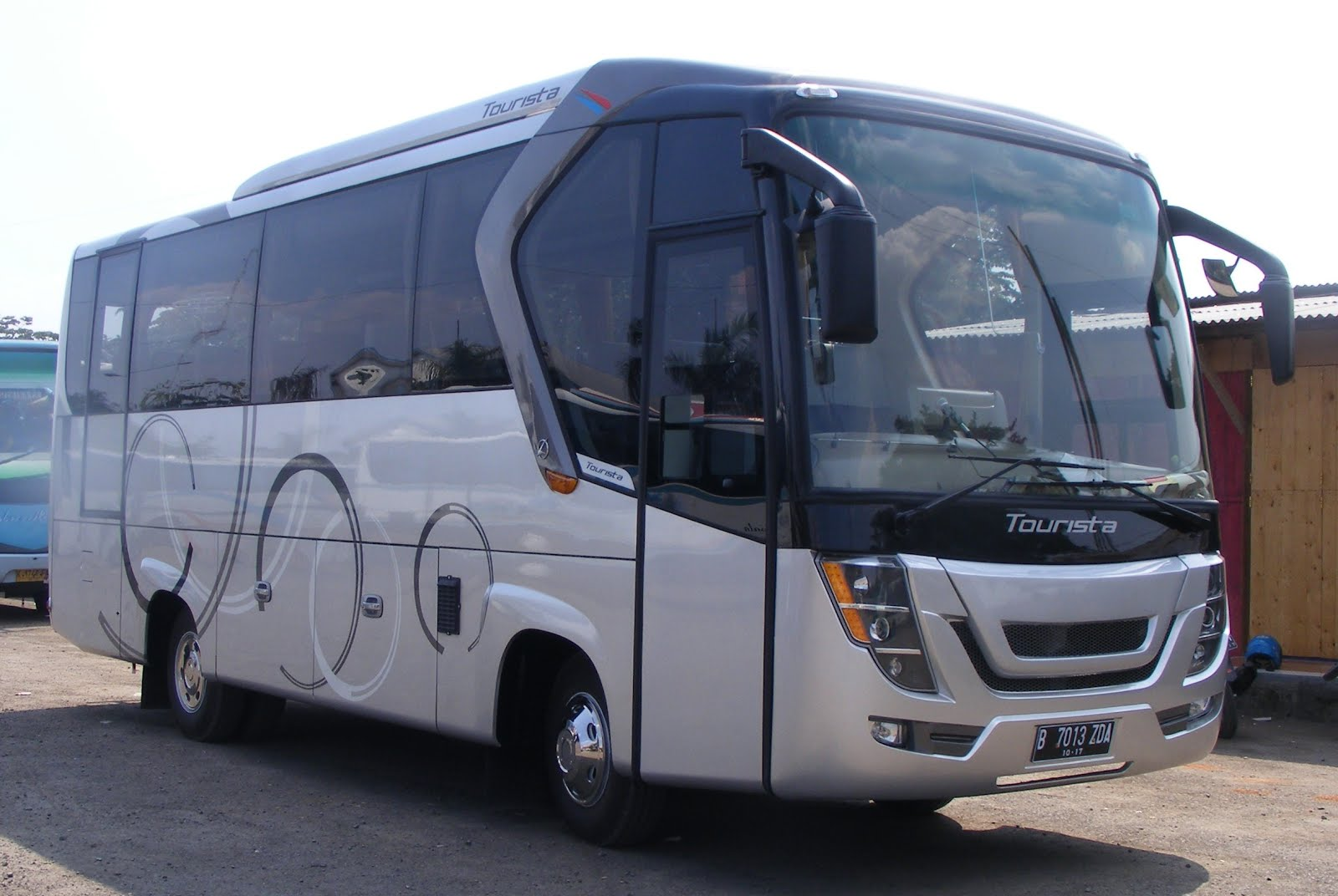 "Its New Product !!! ""MURIA"" Medium Bus !!!"