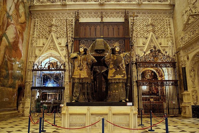 Leyendas de sevilla visitando la catedral xxv interior - Catedral de sevilla interior ...