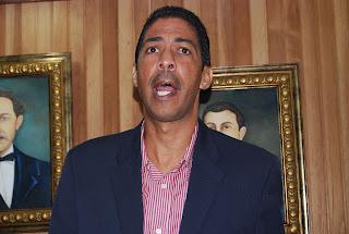Regidores aprueban reconocer a Félix Sánchez, Lugelin Santos y Yamile Peña como Orgullo Dominicano
