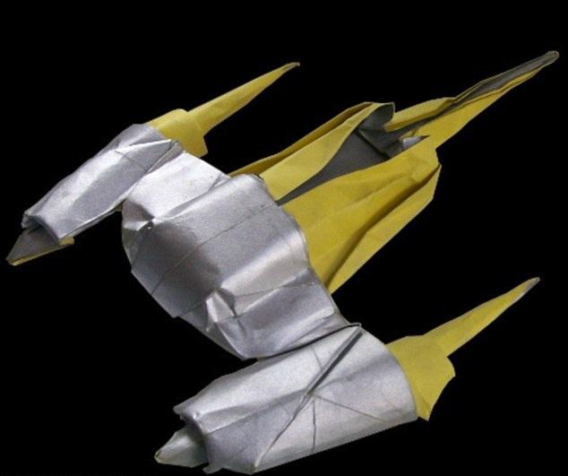 something amazing awesome tiny origami of iconic