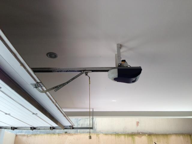 motor pintu garasi, pintu garasi otomatis, garage door jakarta serang cilegon