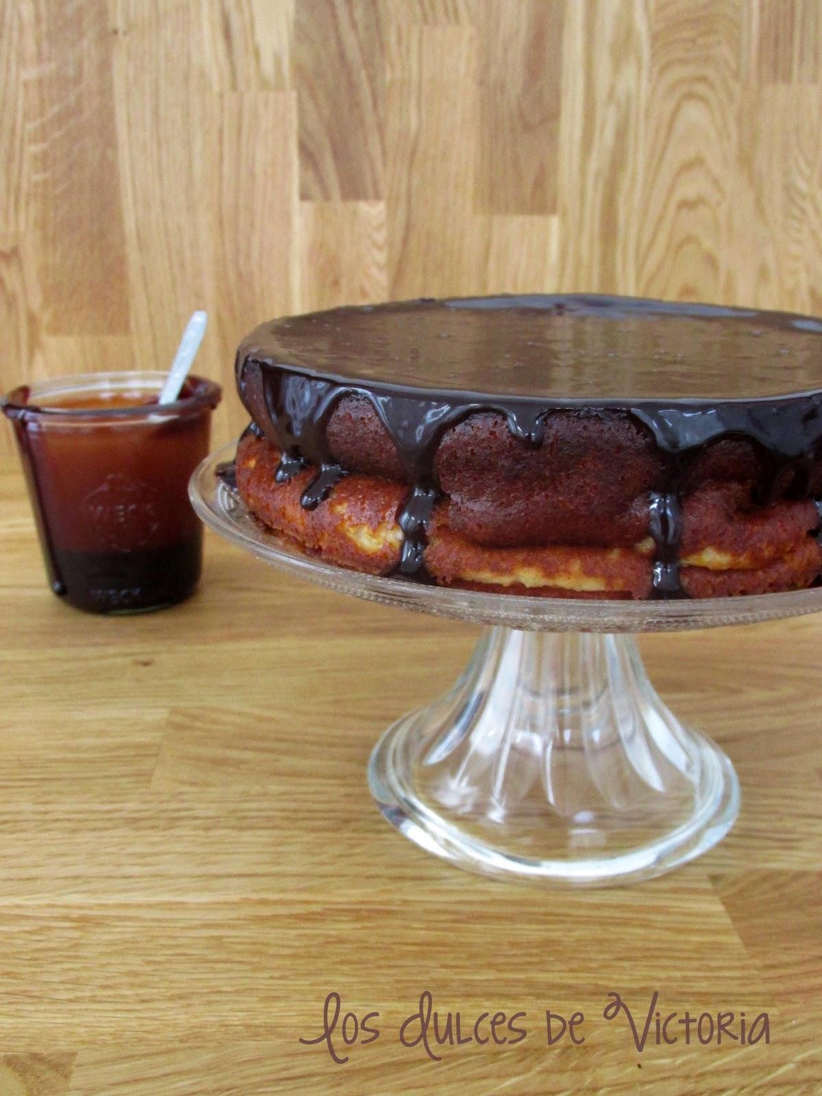 la mejor receta de tarta de queso clásica con salsa de nutella