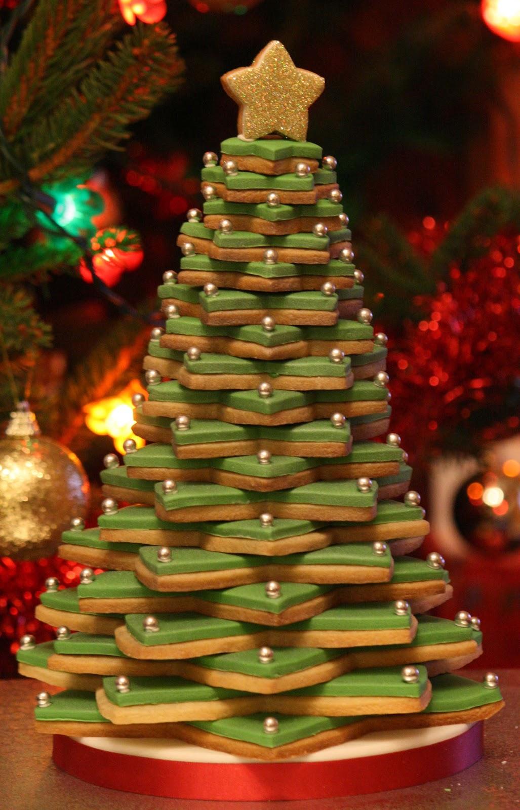 lauralovescakes...: 3D Cookie Christmas Tree