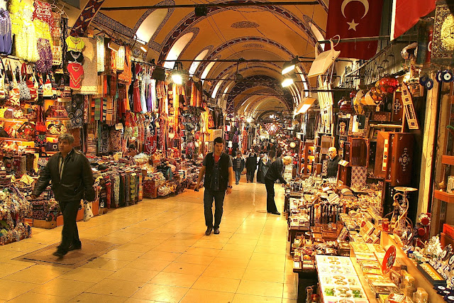 Travel, Museums, Top Places on Earth, Free Tour, Best Attractions, Budget Travel, New York, Hong Kong,  Germany, Paris, Italy, Poland, Buenos Aires, Missouri, Sydney,  Istanbul, London, Vatican, Grand Bazaar