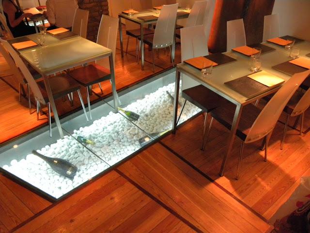 Glass Hostaria