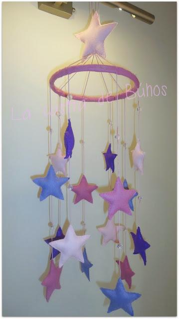 Móvil cuna estrellas - La casita de búhos