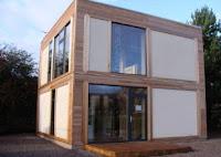 Casa é feita de maconha e palha