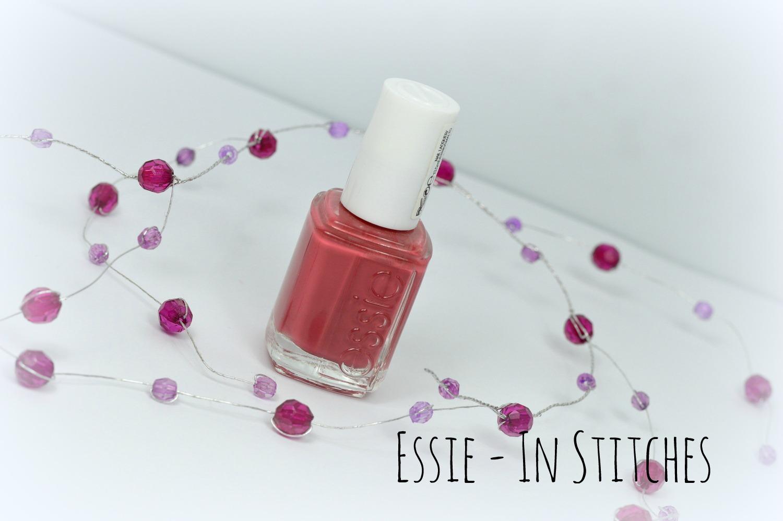 Ein Bild vom Nagellack In Stitches von Essie
