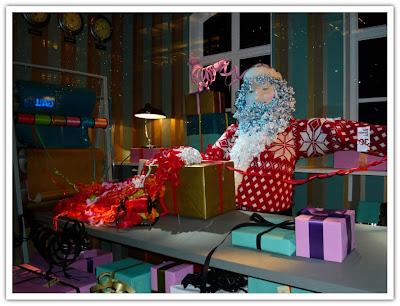 NK julskyltning paketinslagning