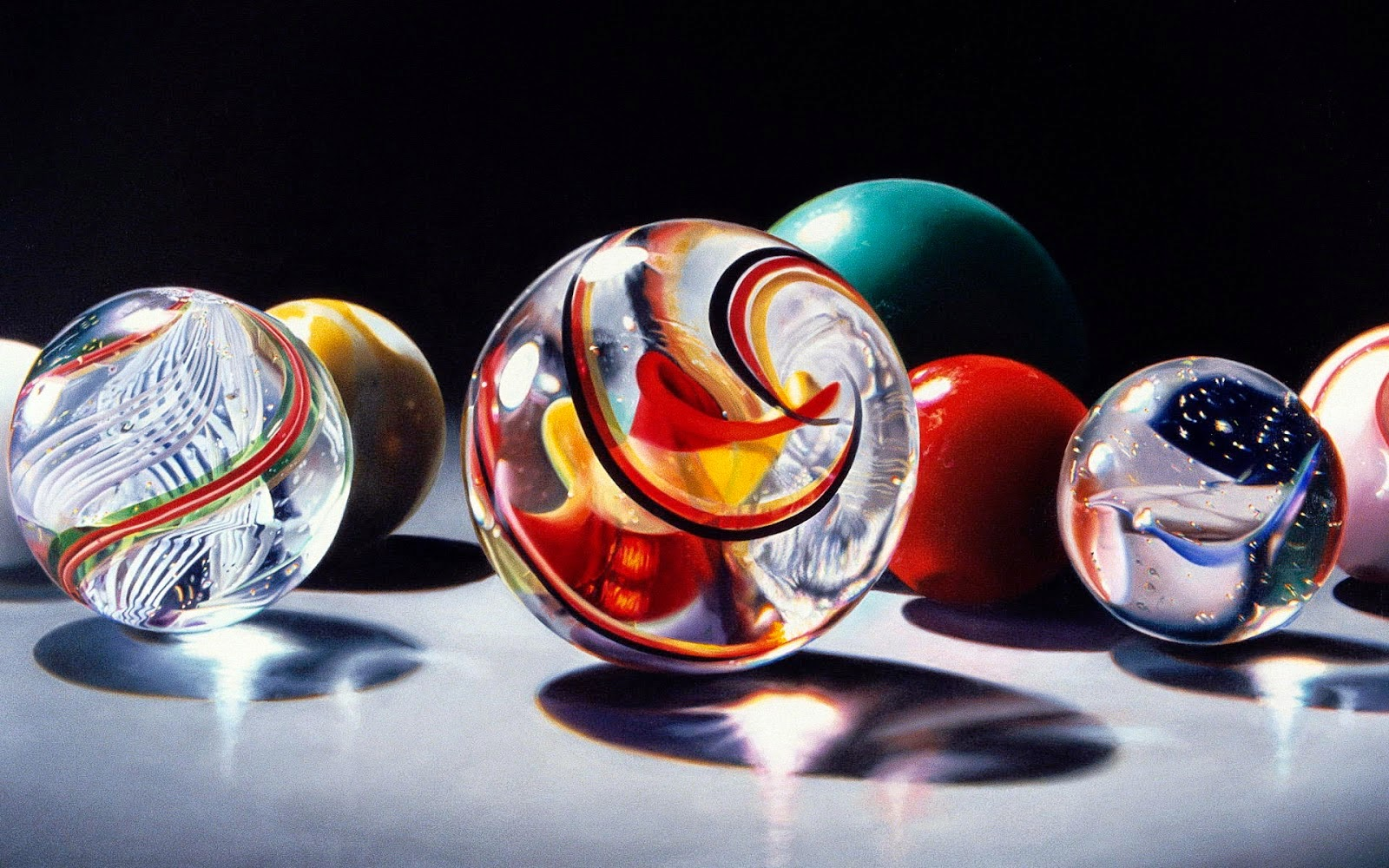 11-Charles-Bell-Hyper-Realistic-Paintings-www-designstack-co