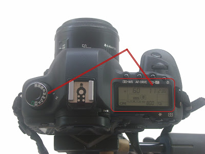 how to lock a lens at a certain aperture